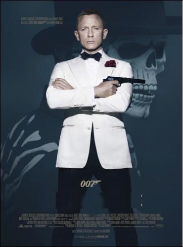 Quel est le titre de ce film d'espionnage dont le héros est l'agent secret 007 ?