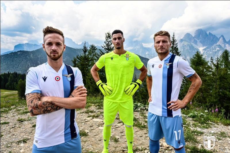 À quel club appartiennent ces maillots ?