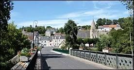 Je vous propose une balade dans le Centre-Val-de-Loire, à Courçay. Commune de l'arrondissement de Loches, elle se situe dans le département ...