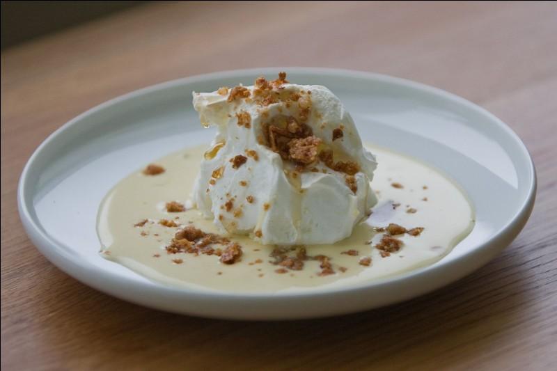 Quel est cet entremet composé de blancs d'oeufs sucrés, fouettés, pochés et accompagné de crème anglaise ?
