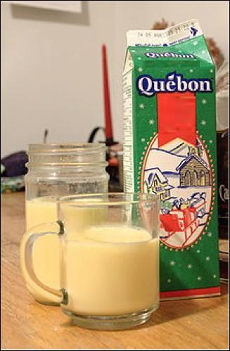 Quelle est cette boisson à base de lait, de crème, de sucre et de jaune d'oeuf ?
