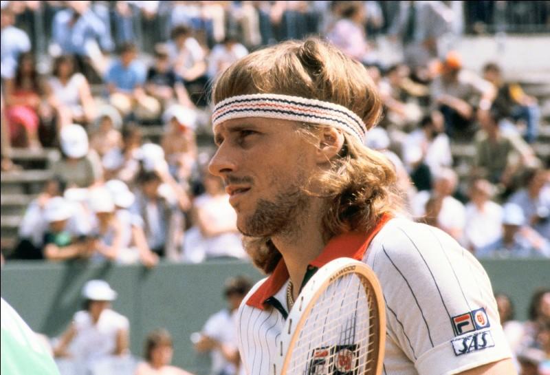 Légende du tennis, il s'agit du Suédois … Borg.