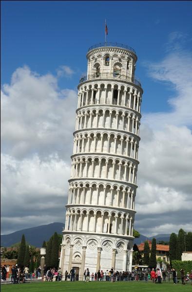 La tour de Pise se trouve en...
