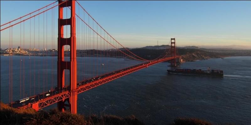 Dans quelle ville des États-Unis se trouve le pont du Golden Gate ?