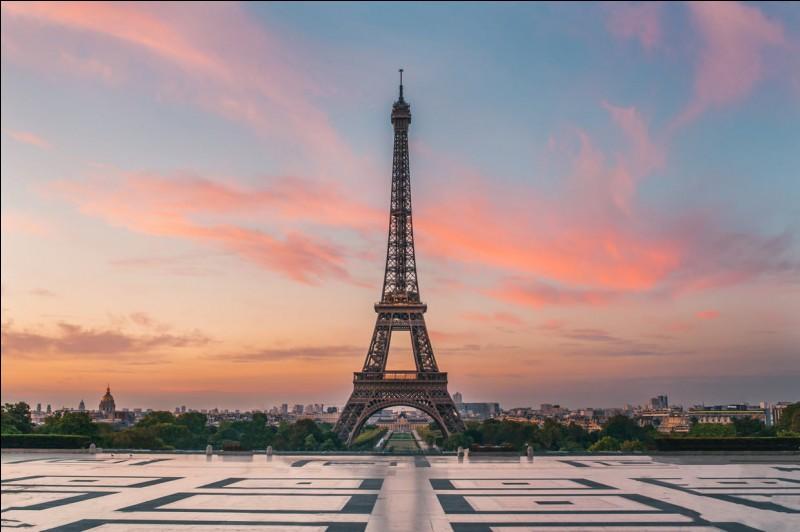 Où se trouve la magnifique tour Eiffel ?
