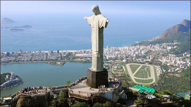 Dans quelle ville du Brésil se trouve le Christ Rédempteur ?