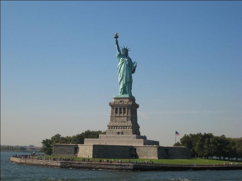 Dans quelle ville se trouve la statue de la Liberté ?