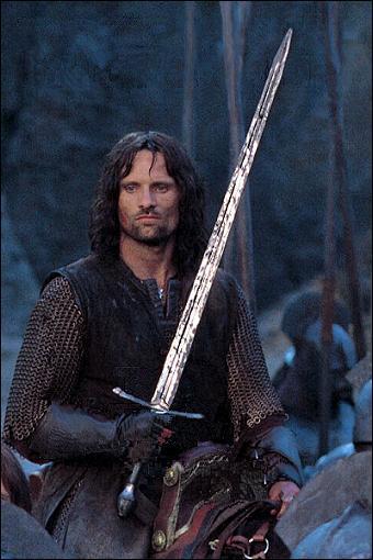 Comment s'appelle le roi du Gondor ?
