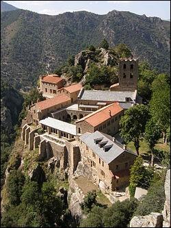 Cette merveille d'architecture sacrée veille sur la Catalogne depuis plus de 1000 ans.