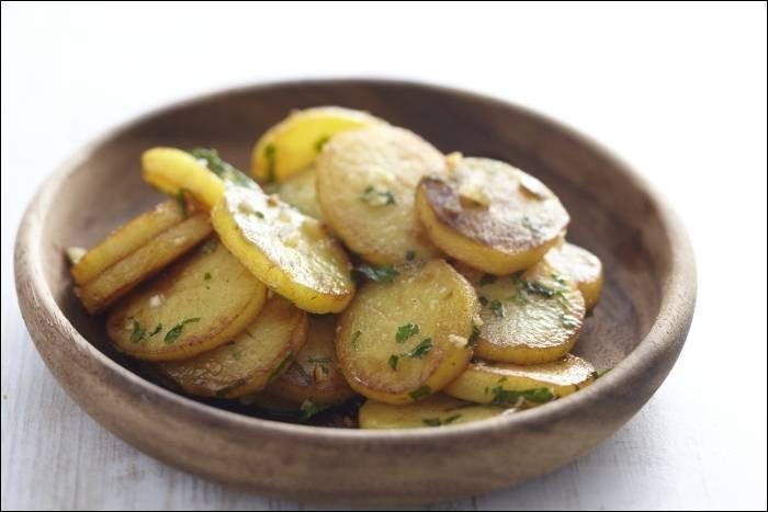 Quel est le nom de cette recette à base de rondelles de pommes de terre cuites lentement dans de la graisse de canard ?