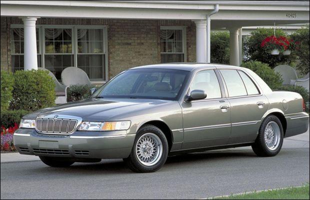 Comment se nommait la sœur jumelle de la Ford Crown Victoria ?