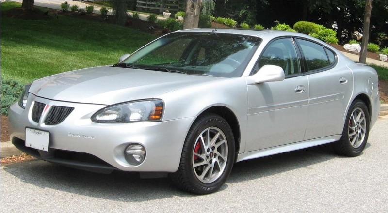 Quelle routière haut de gamme de Pontiac (GM) arbore un nom du champ lexical de la compétition ?