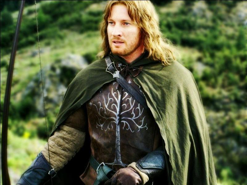 Espèce : DúnedainFamille : Fils de Finduilas de Dol Amroth Description : Grand, cheveux noirs et yeux gris À savoir : Meurt à l'âge de 120 ans Quel est ce personnage ?