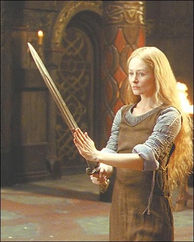 """Espèce : RohirrimFamille : Fille d'Éomund d'EstfoldDescription : Grande, blonde et mince À savoir : Elle se déguise sous le nom de """"Dernhelm """" Quel est ce personnage ?"""