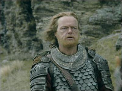 Espèce : RohirrimFamille : Originaire de l'ouest Description : Vieux, brave et déterminé À savoir : Il connait très bien la langue du Pays de DunQuel est ce personnage ?
