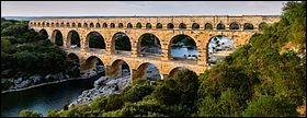 Connu et archi-connu, ce pont-aqueduc amenait l'eau de l'Alzon et des montagnes jusqu'à Nîmes.C'est...