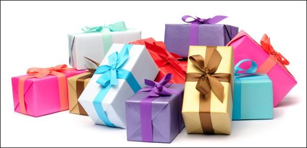 Quels cadeaux ont faits Poséidon et Athéna pour parrainer la ville d'Athènes ?
