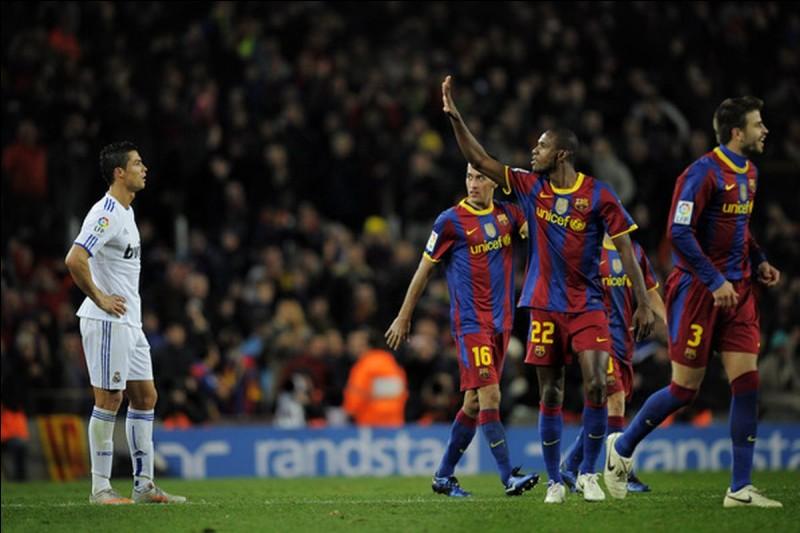 Qui a marqué un doublé lors de la victoire du Barça 5-0 face au Real Madrid en 2010 ?