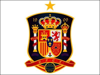 Quels sont les deux joueurs ayant joué au Real Madrid qui sont les joueurs les plus sélectionnés de l'équipe d'Espagne ?