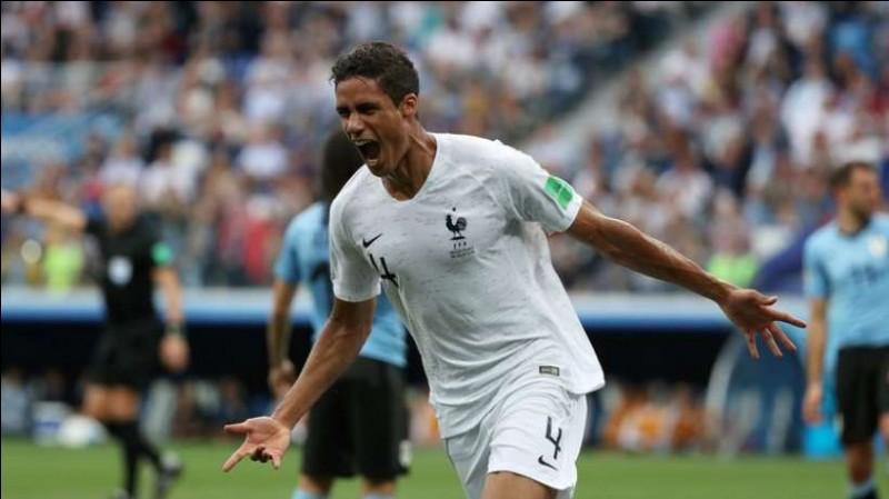Numéro 4 : J'ai inscrit 1 but de la tête en quart de finale face à l'Uruguay. Je suis...