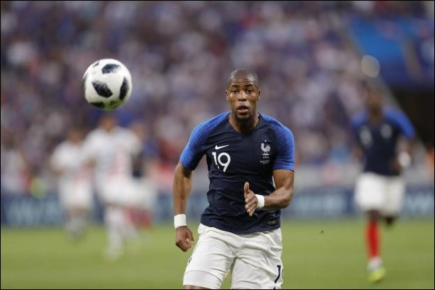 Numéro 19 : J'ai disputé 1 match lors de la Coupe du Monde 2018 face au Danemark. Je suis...