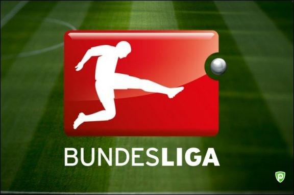 Combien des joueurs nommés dans ce 11 sont maintenant en Bundesliga ?