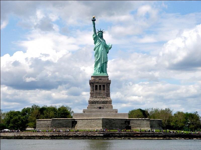En quelle année la statue de la Liberté de New York a-t-elle été construite ?
