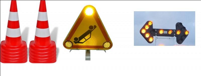 Pour clore la visite, ces différentes signalétiques permettent de baliser une zone d'intervention. Listez-les.