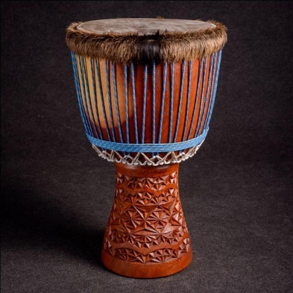 Cet instrument de musique africain est un djembé.