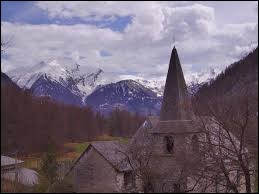 Commune de la région P.A.C.A., dans la vallée du Champsaur, Champoléon se situe dans le département ...
