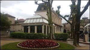 Ville thermale Héraultaise, Lamalou-les-Bains se situe en région ...