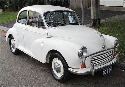 Partons au Royaume-Uni et allons voir la première voiture qui a atteint le million d'unités produites. Quelle est cette auto ?