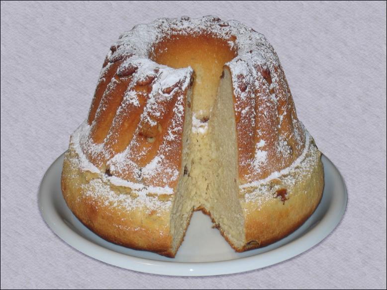 Comment s'appelle ce gateau, originaire (entre autre) du Sud de l'Allemagne, fait d'une pâte levée, en forme de couronne ?