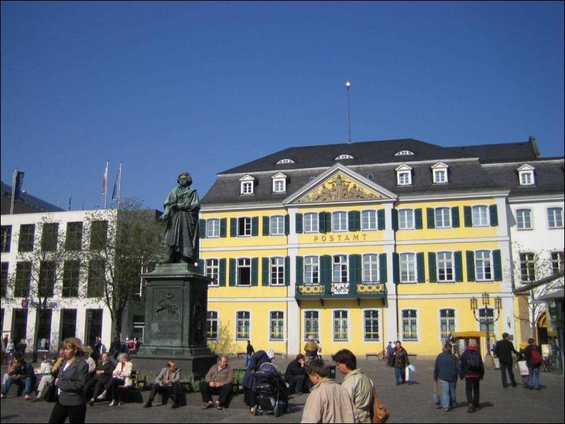 Quelle était la capitale de la République Fédérale Allemande (R. F. A. ) ?