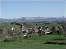 Nous commençons notre balade en Auvergne-Rhône-Alpes, à Briffons. Commune de l'arrondissement de Riom, elle se situe dans le département ...