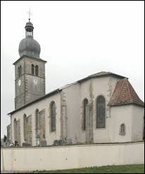 Sur cette image se trouve l'église Saint-Médard de Gigney. Petit village Vosgien de 47 habitants, il se situe en région ...