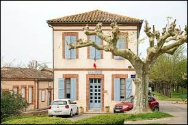 Village Tarn-et-Garonnais, Monbéqui se situe dans l'ancienne région ...