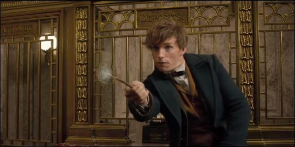 Dans ''Les Animaux fantastiques'', utilisé par Norbert Dragonne, quel sortilège permet de dévoiler des traces de magie récentes ?