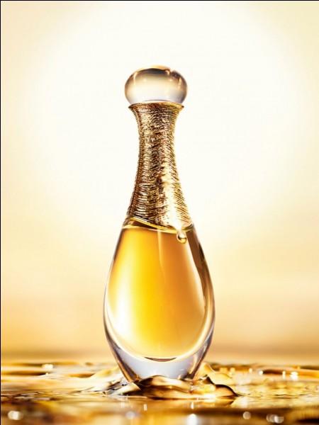 C'est Julia Roberts qui a fait la pub de parfum Dior.