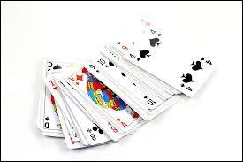 Pour jouer à la crapette, combien faut-il de jeux de cartes ?