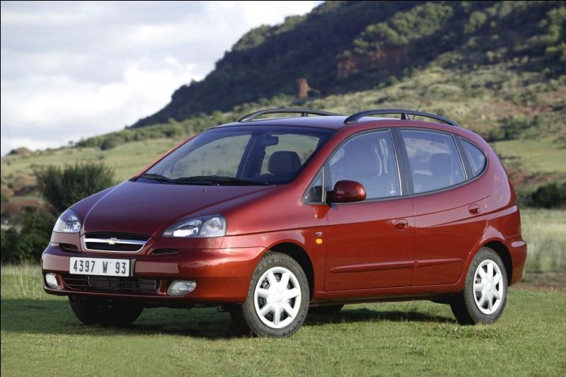 Placide, le Chevrolet (anciennement Daewoo) Rezzo ou Tacuma ? Avec ce nom à destination des marché sud-africains et sud-américains, le voilà désormais plein de vitalité.