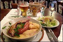Comment s'appelle ce plat à base de pommes de terre, lard, oignon et qui vient des Ardennes ?