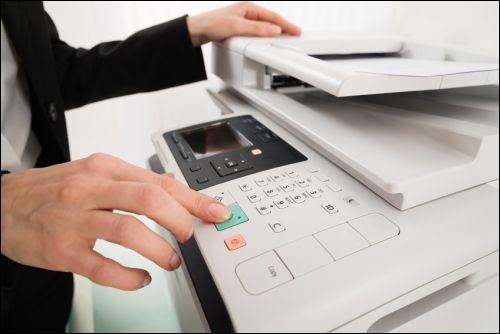 Ton prof de maths te demande de faire des photocopies pour un exercice. Que fais-tu ?