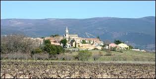 Nous terminons notre balade en région P.A.C.A., à Villars. Commune du parc naturel régional du Luberon, elle se situe dans le département ...