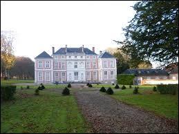 Nous partons à présent dans la Somme à la découverte du château de Brailly-Cornehotte. Nous sommes en région ...