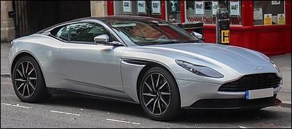 Restons au Royaume-Uni, cette voiture de grand tourisme est produite par un constructeur iconique des films James Bond. Quelle est cette voiture ?