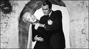 """Alfred Hitchcock a réalisé le film """"Sueurs froides"""" en 1958."""