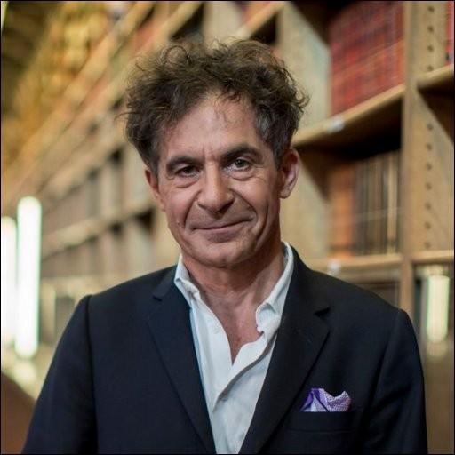 """Ce physicien, auteur en 2010 du """"Discours sur l'origine de l'univers"""", c'est ... Klein."""