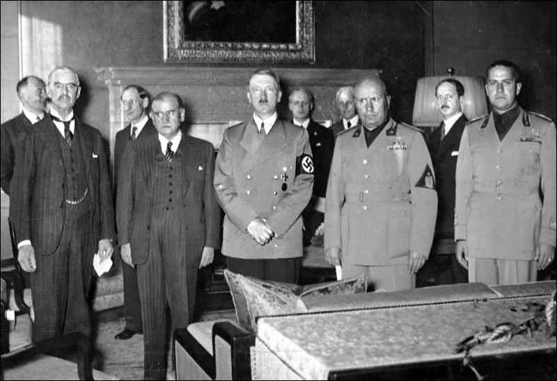 Avant l'agression allemande de la Pologne, qu'est-ce qui avait failli déclencher la guerre moins d'un an plus tôt ?