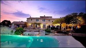 On peut l'associer au terme provençal. Il s'agit du ...